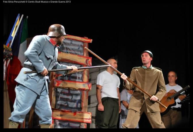 Torna Sandrone soldato a teatro!